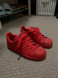 red adidas super star running shoes Toronto, M6S 5B7