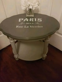 Gorgeous accent table  Whitby, L1N 8X2