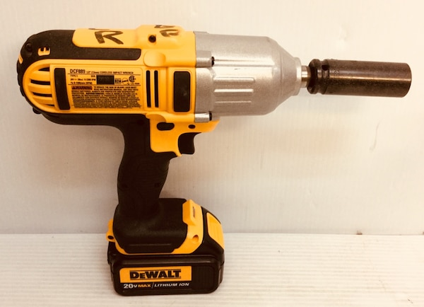 """1fb3e50af3a Used DEWaALT DCF889 20 V MAX 1 2"""" CORDLESS IMPACT WRENCH WITH BATTERY DCB  200 EXCELLENT CONDITION for sale in Deerfield Beach - letgo"""