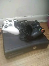 Xbox 360 2 controllers 10 games grand theft auto  49 km