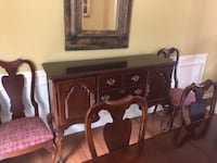 Cabinet- great for fine China, glasses etc SNELLVILLE