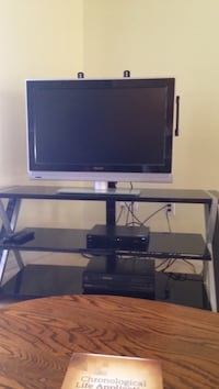 32 inches Phillip color TV flat screen like new. With the stand . Ocala, 34473