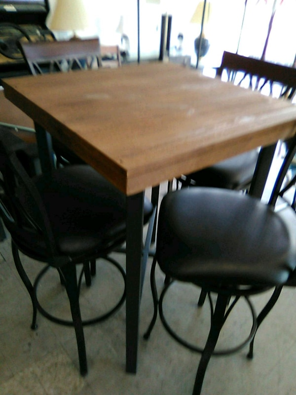rectangular brown wooden table with four chairs di usado en venta en ...