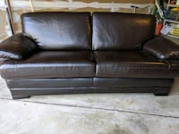 Leather Couch Herndon, 20171