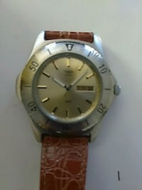 round gold-colored analog watch with brown leather strap Santa Clara, 95050
