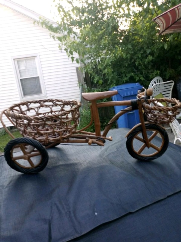 4ca19743358 Used Bicycle wicker antique planter for sale in Lexington - letgo