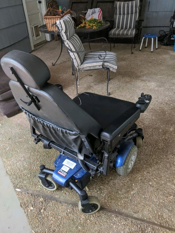 Electric Wheelchair Jazzy Select 6 c121f084-92d3-4df1-b305-8d7bcdc001cd
