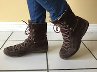 Pair of Brown suede boots size 8 Vaughan, L6A 1N1