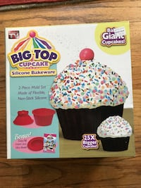 Big Top Cupcake Bakeware kit-new Arlington