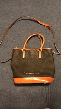 Dooney & Bourke bag. It has been used a lot but still in fair condition. Please feel free to ask for more pictures if interested! Des Moines, 50311