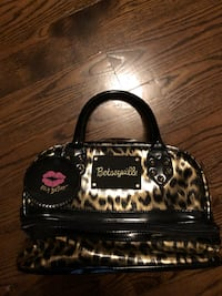 Betsey Johnson makeup bag Montreal
