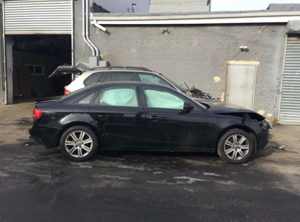 2009-2012 Audi A4 //PART OUT// front end is gone