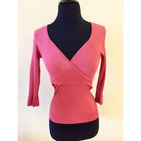 Women's Pink V-neck Top size small Toronto, M3J 1L7