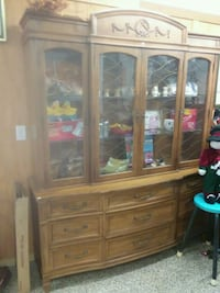 brown wooden framed glass display cabinet Akron, 44319