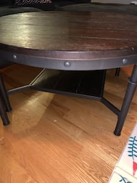 Farmhouse coffee table and end tables  Linganore, 21774