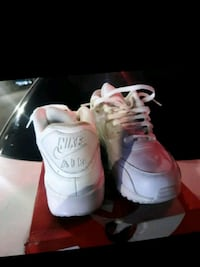 pair of white Nike Air Force 1 low shoes 2272 mi