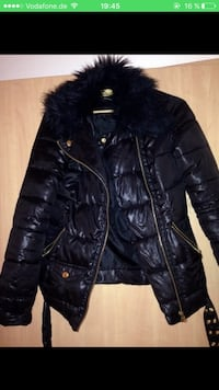 schwarz zip-up bubble jacke screenshot Stuttgart, 70563
