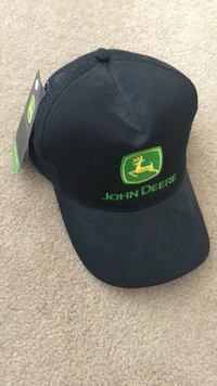 Black and green fitted cap 1951 km