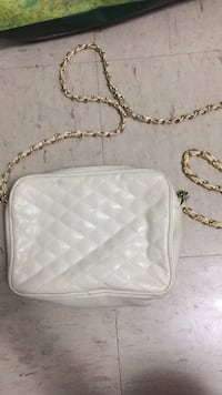 white leather quilted crossbody bag Toronto, M5T 1B7