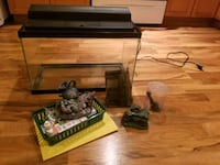 Fish tank and accessories (some not in pic) Winnipeg, R2V 4R1