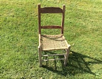 Brown wooden windsor chair 20.$