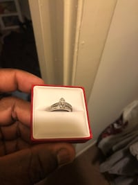 $1000/ obo 2 carrots engagement ring and band  Waldorf, 20602