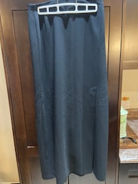 Ann Klein long skirt with slit women's size 6 Georgina, L0E 1R0