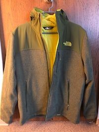 New - Men's The North Face Jacket -Midiam size (Yellow Green) Richmond, V6Y 2Y7