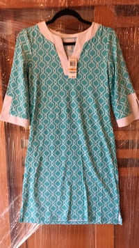 teal and white long-sleeved dress Lake Frederick, 22630