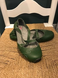 Ahnu leather shoes Mission, V4S 0A9