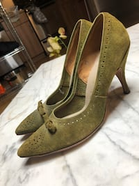 pair of brown leather pointed-toe pumps Winnipeg, R3G 1E9
