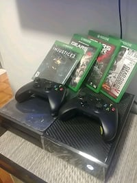 XBOX One, 1TB + 2 controllers + 4 games