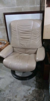 Leather chair New Canaan, 06840