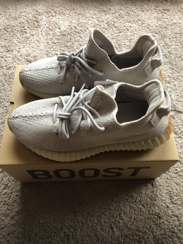 5c8d5f01c4e7 Used Yeezy Boost 350 V2 Sesame for sale in Calumet City - letgo