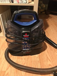 black and blue canister vacuum cleaner Woodstock, 21163