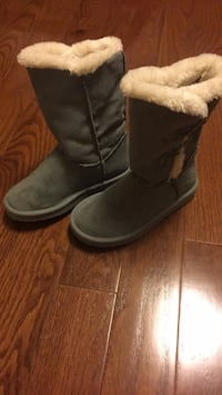 Girls boots - size 13 Mississauga, L4Z