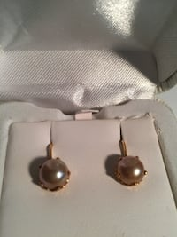 10k Real Gold pearl earrings Derwood, 20855