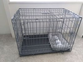 Crate with Divider and separate Room with Pet Bed. Carrier has Handle