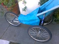 blue and gray trike