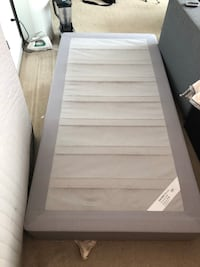 white and gray bed mattress Arlington, 22209
