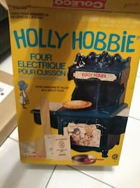 Vintage Holly Hobbie Old Fashioned Style Electric Bake Oven 1976 Coleco 7360  Excellent condition, comes with original box.  VIEW MY OTHER ADS! Toronto