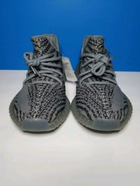 Pairs of shoes yeezy in size 7.5 woman and 8.5 Men Queens, 11372