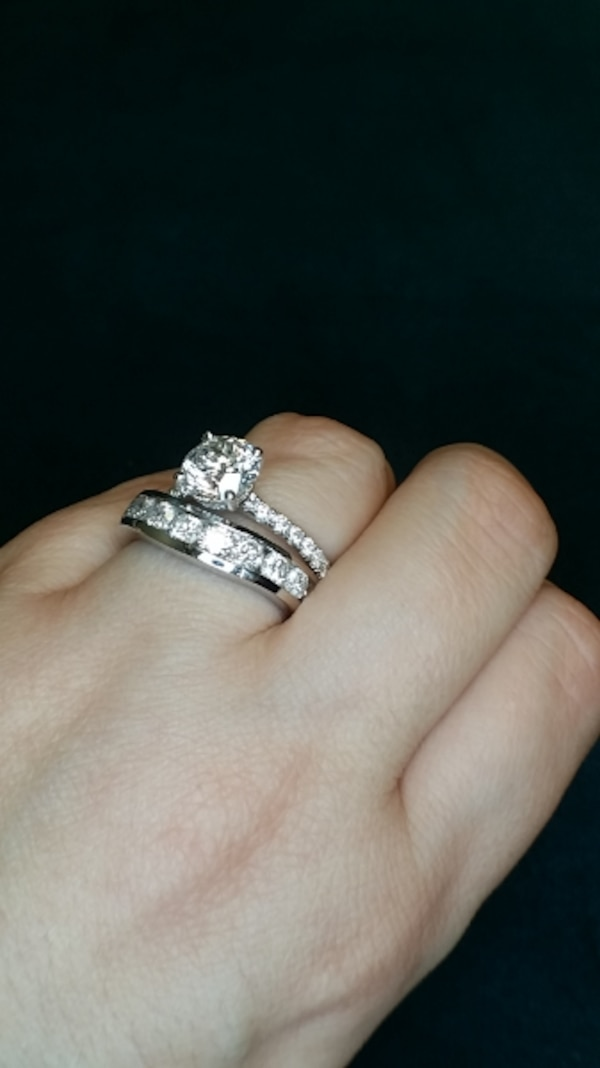 37f5a4ac7849eb Used 2 carat rose gold diamond solitaire engagement ring for sale in Atlanta  - letgo