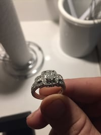 Michael Hill one of a kind engagement and wedding band 3746 km