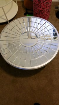 Coffee table mirrored