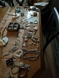 New jewelry sell all 50% or less Barrie, L4M 5S6
