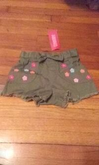Girls Gymboree 2T Shorts with embroidered flowers brand new  Windsor