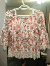 white and pink floral scoop-neck shirt Gaithersburg, 20878