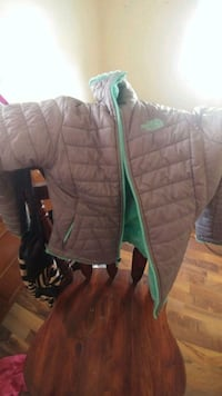 Girls 12/14 north face reversible coat Griffith