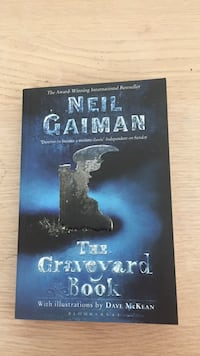 The graveyard book, Niel Gaiman Bergen, 5038